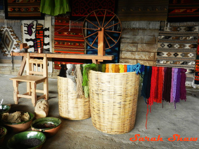 Natural dyes for weaving