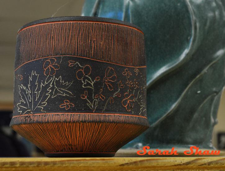 Carved leaf pot
