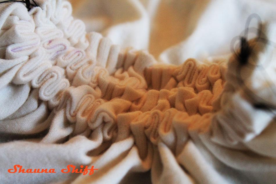 Shibori pattern being created