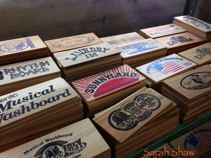 Washboard graphics in vintage designs