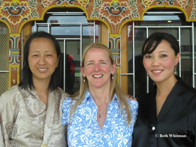 Meet the Locals: Chuki, Beth Whitman & Chimey