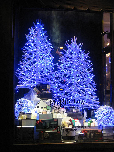 Bigelow storefront in New York Christmas
