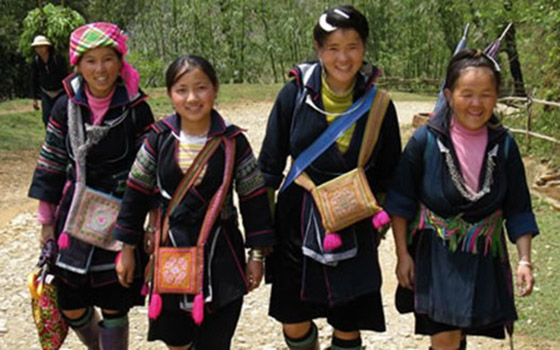 our-Hmong-guides