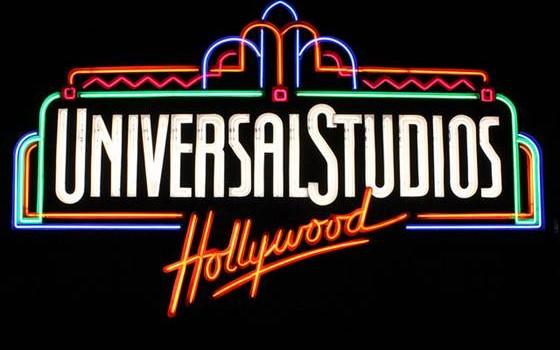 Universal Studios sign
