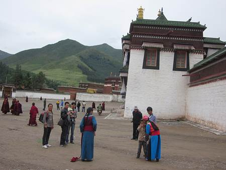 Women and Monks at Labrang Monastery