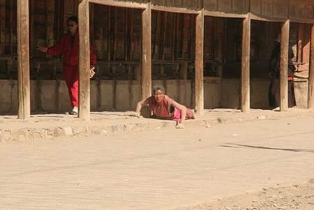 Labrang Pilgrim on the Ground