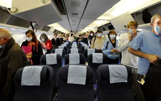 Passengers with Masks